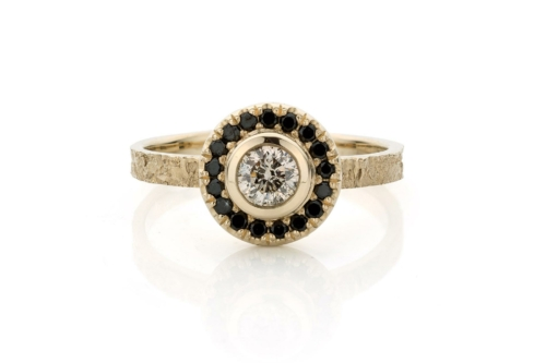 Ring in 18kt champagne wit goud en zwarte diamant